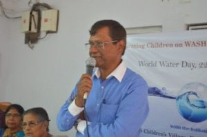 Dr. M.N. Roy delivering his motivational talk for SOSCV children